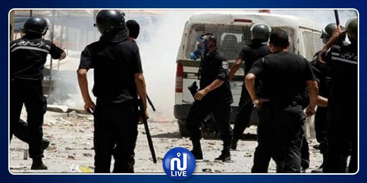 قرمبالية: إيقاف 10 محتجين وإصابة عوني أمن  بعد غلق الطريق الوطنية رقم 1