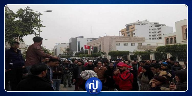 صفاقس: الأهالي  يحتجون مطالبة بالتنمية