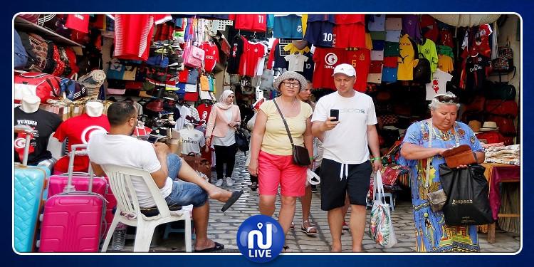 تطور عدد السياح الوافدين على تونس بنسبة 12.8 بالمائة