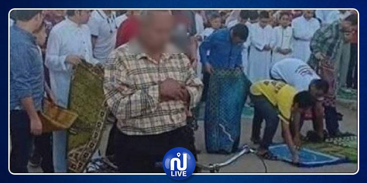 إصابة مواطن مصري بجلطة دماغية بعد حملة سخرية من صلاته