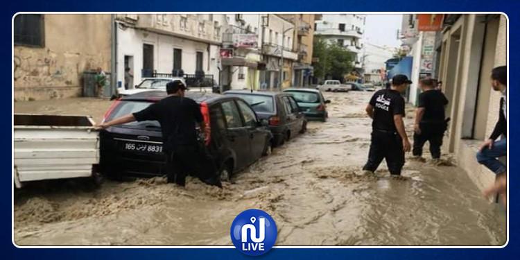 سوسة: نداءات استغاثة لإزاحة السيارات العالقة وشفط المياه من المنازل بسبب الأمطار(فيديو)