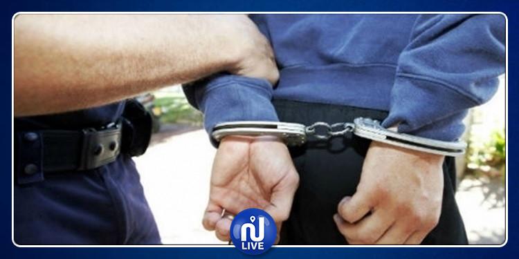سيدي بوزيد: القبض على شاب ليبي بتهمة الإرهاب وتجارة الآثار