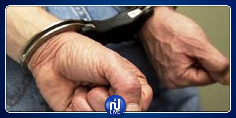 إنتحل صفة قاض: القبض على شخص تحيل على صاحب نزل معروف بالعاصمة