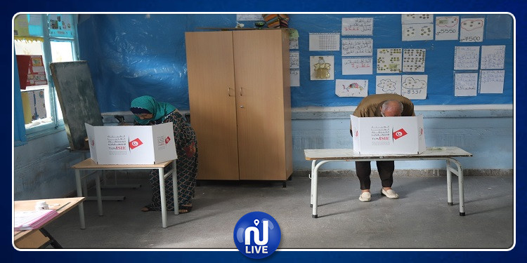 القصرين: تسجيل بعض الإخلالات في مركز إقتراع المدرسة الإبتدائية الزهور 2