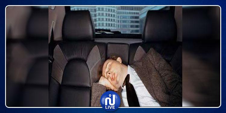نام في سيارة ليجد نفسه على بعد 160 كم من منزله !