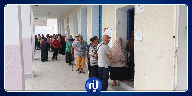 رئاسية 2019: إقبال متزايد للناخبين على الاقتراع في دائرة صفاقس2