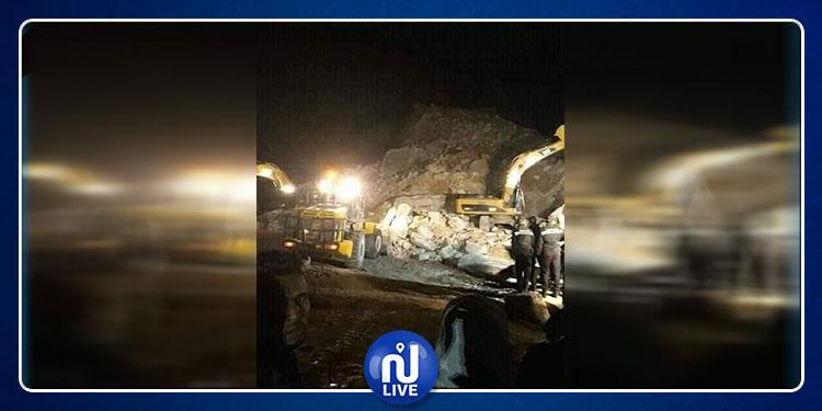 حادث الانهيار الجبلي بالنفيضة: العثور على جثة العامل الثاني (صور)