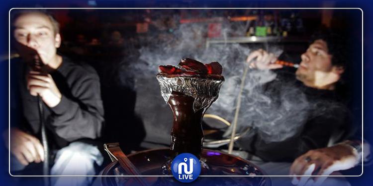 بلد عربي يمنع تدخين ''الشيشة'' في المقاهي