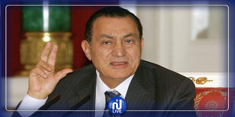 القضاء الإداري يرفض سحب أوسمة ونياشين حسني مبارك