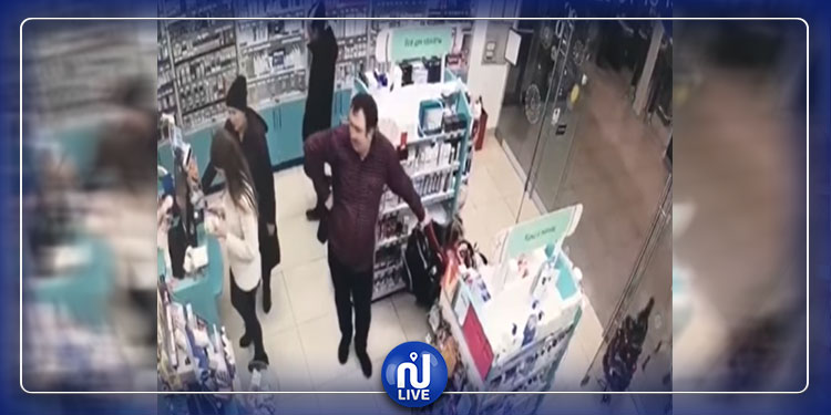 زوجان يستخدمان طفلتهما للسرقة (فيديو)