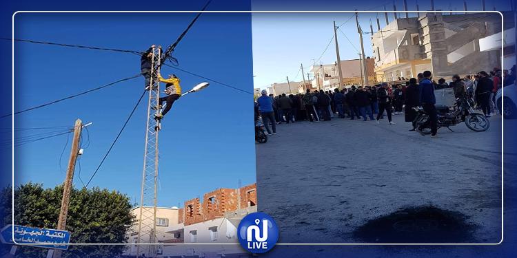سيدي بوزيد: احتجاجات ومحاولات انتحار بعد مصادرة وسائل نقل من طرف الديوانة