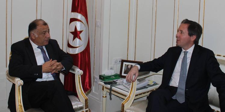 إدماج تكنولوجيات المعلومات والاتصال في التدريس، موضوع لقاء ناجي جلول بسفير البرتغال في تونس