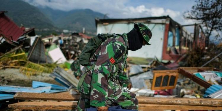 Tsunami en Indonésie: au moins 1649 morts