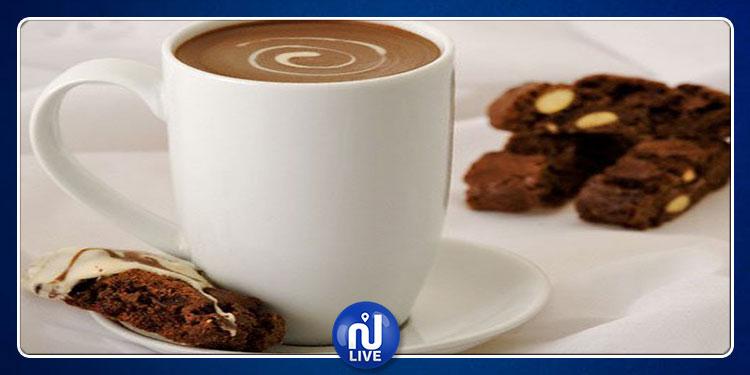 خبراء يحذرون من مخاطر ''حليب الشوكولاتة'' على الأطفال!