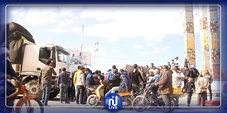 بن قردان: غلق الطريق  ومنع مرور الشاحنات المتجهة الى ليبيا