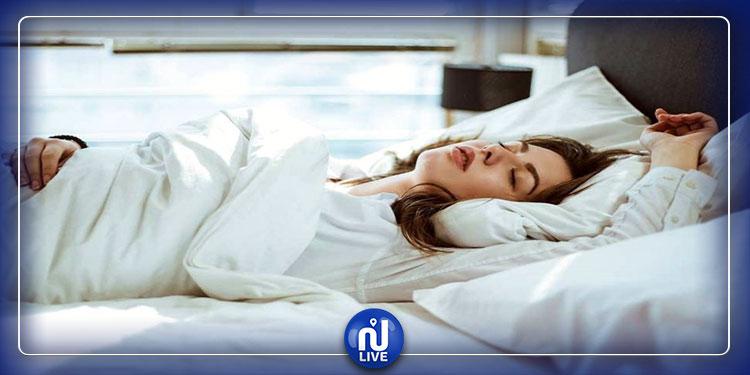 وضعية نومك تلعب دورا حاسما في صحتك