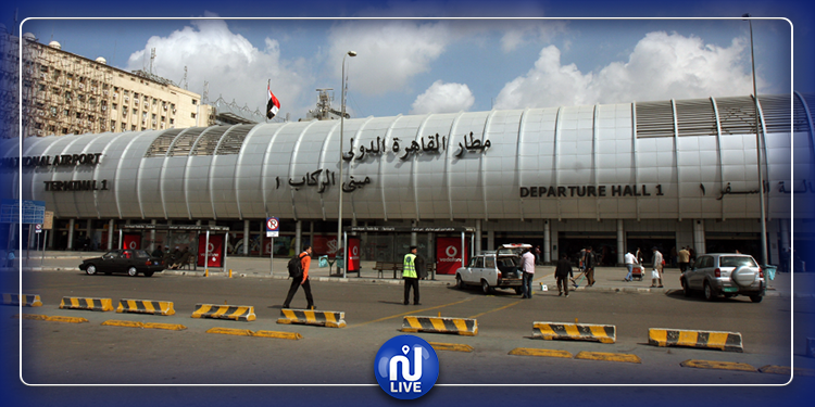 الحجر الصحي يعزل 20 راكبا في مطار القاهرة