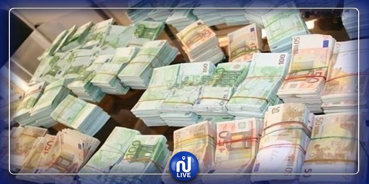 العاصمة: تفكيك شبكة مختصة في تهريب العملة الصعبة خارج تونس