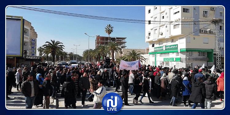 جندوبة: مسيرة احتجاجية واعتصام مفتوح للمطالبة بالتنمية (صور)