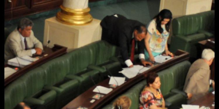 بوصلة ترصد إخلالات في التصويت على قانون مكافحة الإرهاب