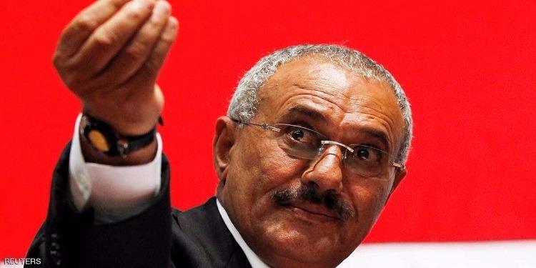 لحظات مقتل علي عبد الله صالح و إيقاف سيارته (صور)