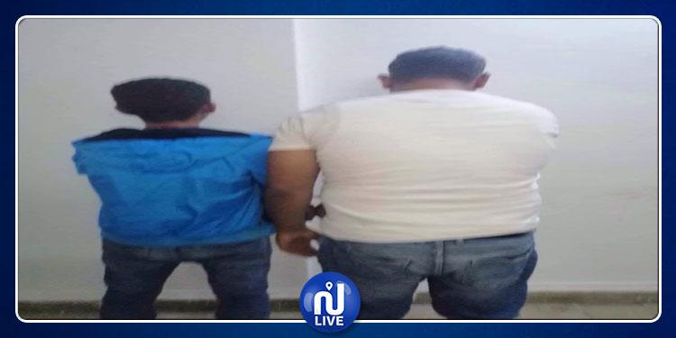 """قرمبالية: القبض على ''تاكسيست'' ومروج مخدرات وحجز كمية من """"الزطلة"""" وعلب الجعة (صور)"""