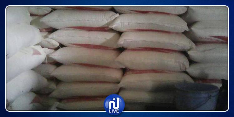 توزر: حجز عدد 224  كيسا من مادة الفرينة المدعمة (صور)