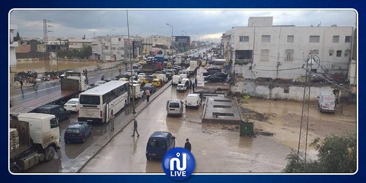 أريانة: مياه الأمطار تغمر المنازل والمواطنون يطلقون صيحة فزع