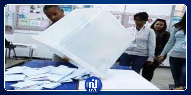 المنستير: عملية الفرز اليدوي والآلي لمحاضر انتخابات الدور الثاني للرئاسيات