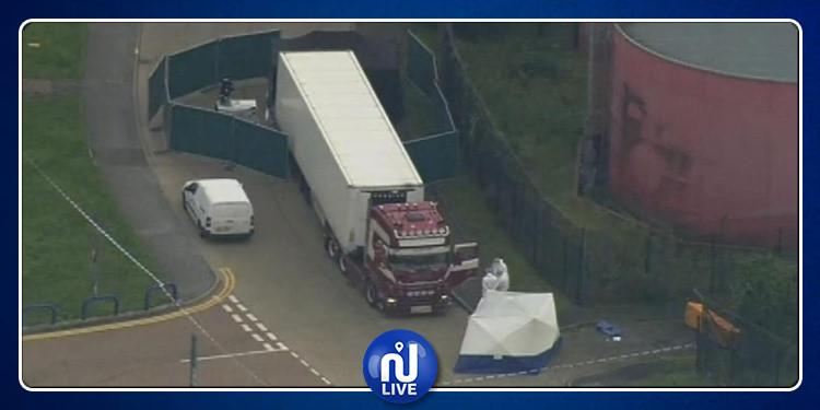 العثور على 39 جثة داخل شاحنة بريطانية