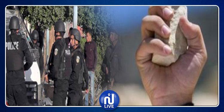 العمران: الإعتداء على  دورية أمنية بالحجارة  في حي المثاليث