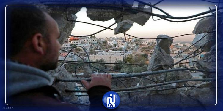 الكيان الصهيوني يدمر 4 منازل ويشرد العشرات في الخليل (صور)