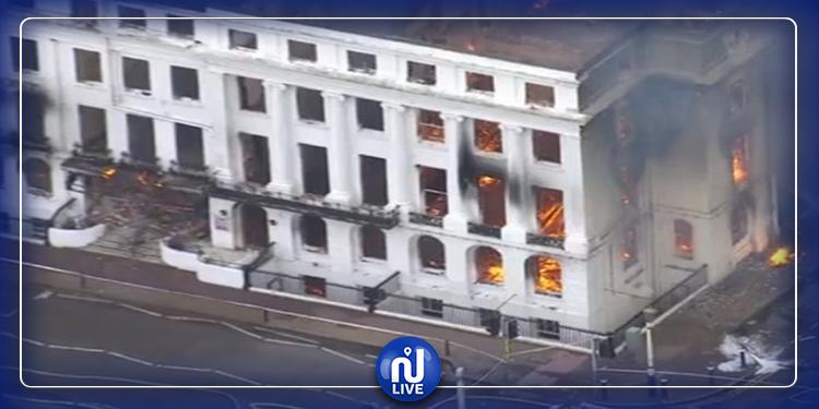 أقدم فنادق بريطانيا تلتهمه النيران