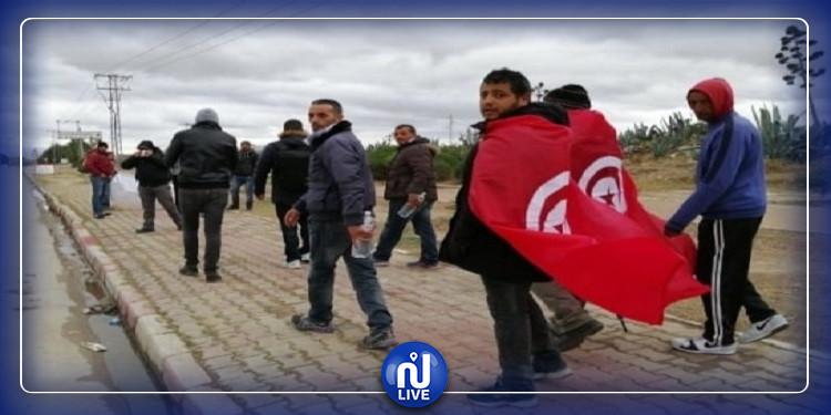 القصرين: إنطلاق مجموعة من جرحى الثورة سيرا على الأقدام في اتجاه قصر قرطاج