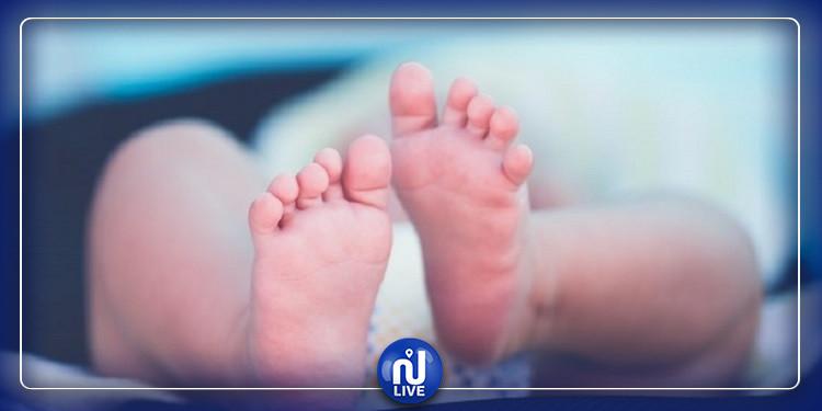 بسبب حالة مرضية نادرة.. طفل يتغير جلده يومياً