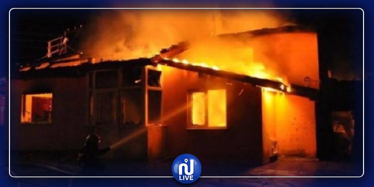 بسبب جهاز شحن هاتف  ثلاثة منازل تحترق