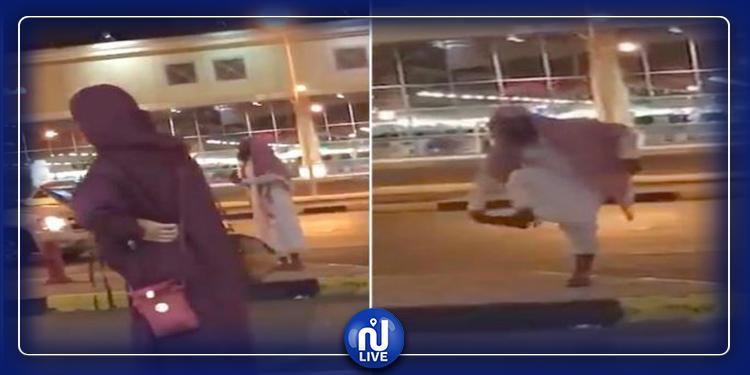 واعظ ديني يعتدي على امرأة دون نقاب (فيديو)
