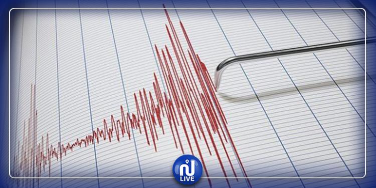 Un  séisme de magnitude 6,8 frappe la Turquie