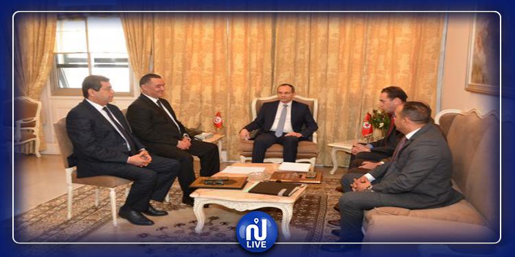 مقاومة البراكاجات: وزير الداخلية يجتمع بالقيادات الأمنية العليا