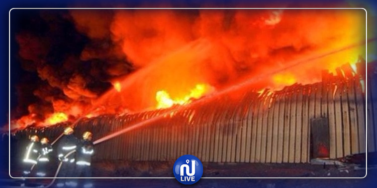 حفوز: اندلاع حريق بمستودع  يخلف أضرارا مادية