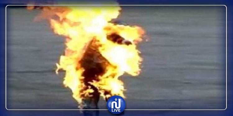 لبناني  يضرم النار  في جسده