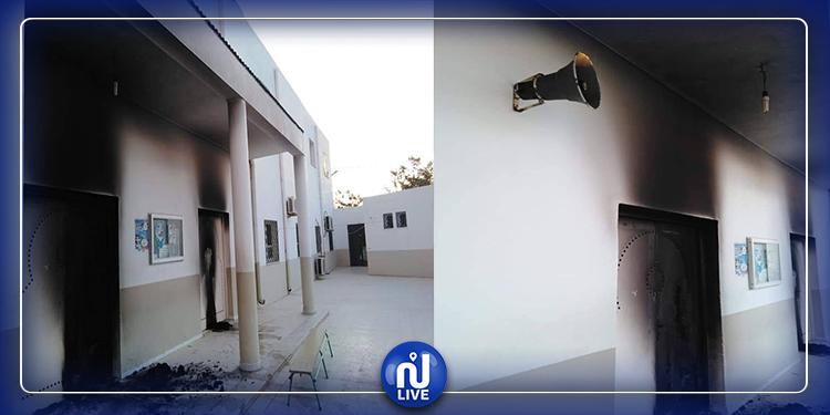 المنيهلة: تخريب جامع أبو بكر الصديق وحرق الأحذية المخصصة للوضوء (فيديو+ صور)