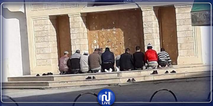 باردو: الأمن يمنع صلاة الجمعة بخزندار ويحتفظ بالمخالفين