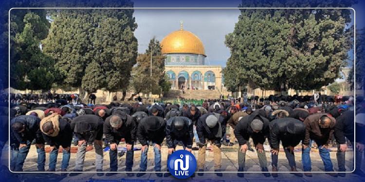 الضفة الغربية: القبض على أئمة لم يلتزموا بقرار إغلاق المساجد