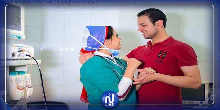 الحب في زمن كورونا.. طبيبان يحتفلان بخطوبتهما داخل غرفة عمليات (صور)