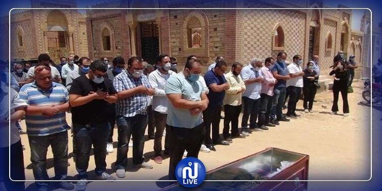 غياب الفنانين عن جنازة حسن حسني (صور وفيديو)