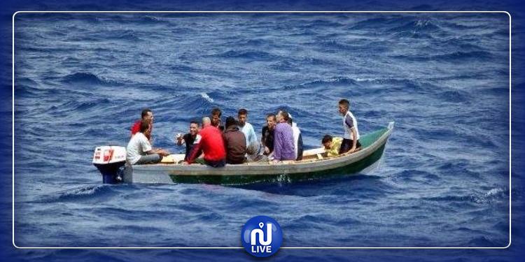 قبالة ليبيا: امرأة تنجب طفلها على متن قارب هجرة غير شرعية