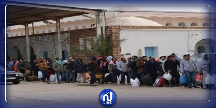 تونسيون عالقون بالتراب الليبي (صور)