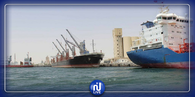 الميناء التجاري بقابس يواصل العمل بإجراءات التوقي من كورونا