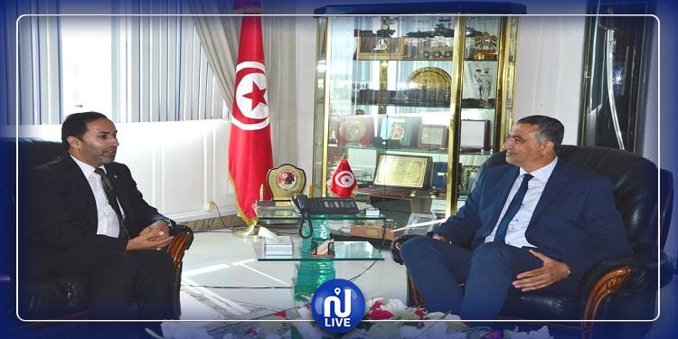 لقاء وزير الدفاع بسفير الأردن في تونس حول دعم التعاون العسكري